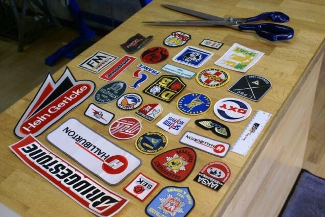 broderet emblemer til salg